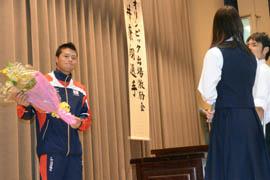 「自分信じて世界に」 市船高で後輩たち鼓舞 五輪OWS代表・平井選手