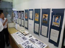 青木半治の寄贈品初公開 出身地いすみで五輪企画展 歴代ポスターなど紹介