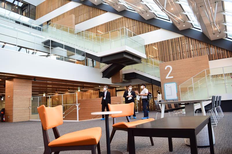 市川市 新庁舎を公開 25日一部開庁、全面は1月 | 千葉日報オンライン