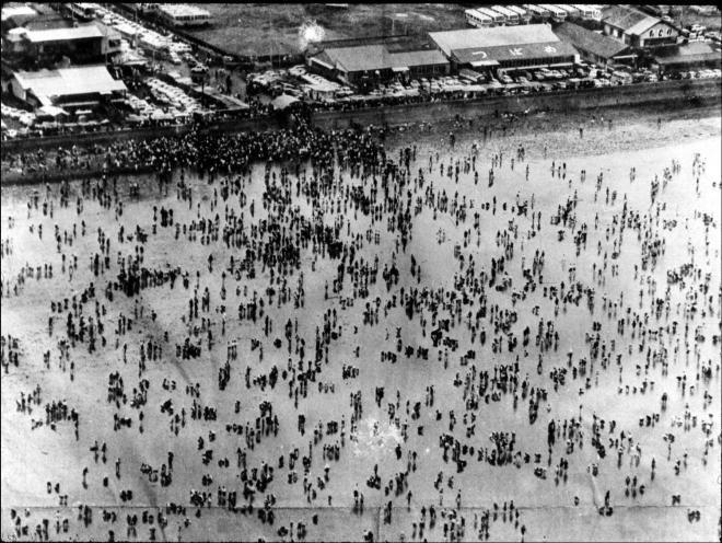 幕張の浜(1970年ごろ、千葉市ホームページより)